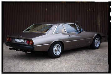Ferrari oldtimerek FERRARI 365 GT 4 (1)
